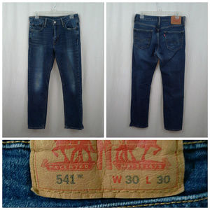 Levis 541 jeans 30x30 Med blue Meas 31x28 Straight
